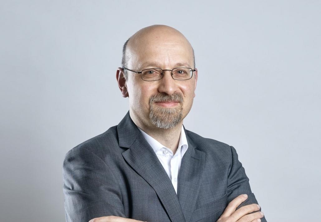 Harald - ein eleganter Mann mit der Brille